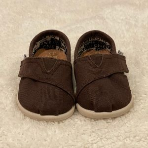 Brown Canvas Tiny TOMS Classics 2.0 Size T3
